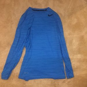 Nike dry fit long sleeve small